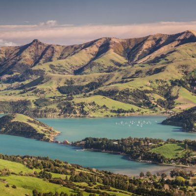 new-zealand-pristine-scenery-PUKEUB5