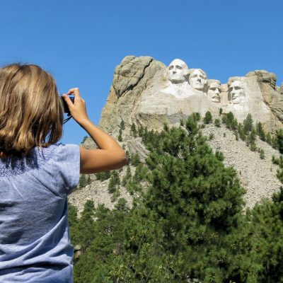 snapping-mount-rushmore_t20_x6PwQz (1)