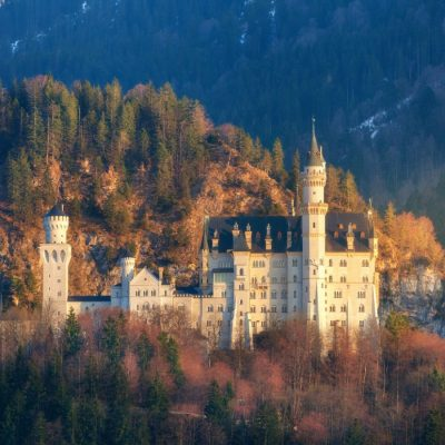 the-famous-neuschwanstein-castle-in-germany-PXJ6G36